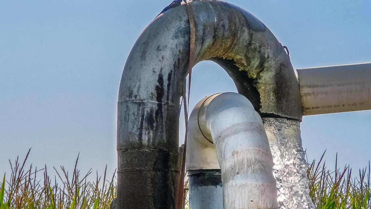 A well in Kings County pumping groundwater into an irrigation system. (Photo credit: Thomas Harter)