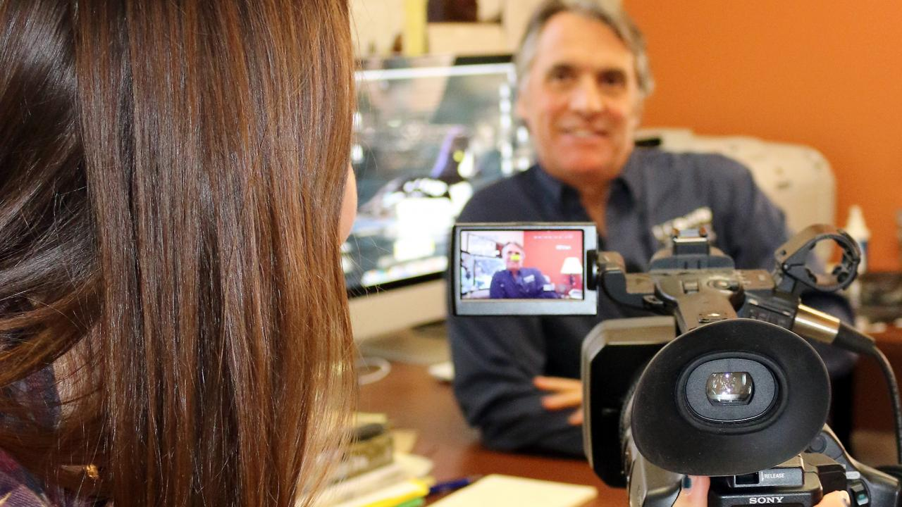 Student Bailey Higa interviews Professor John Eadie for her class video project. (Chris Nicolini | UC Davis)